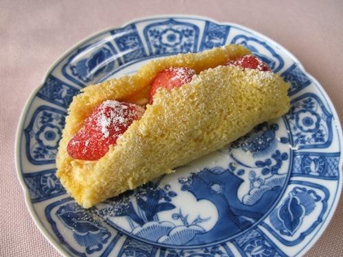いちごのオムレツケーキ