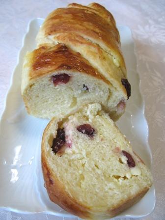 クランベリーとクリームチーズのパン